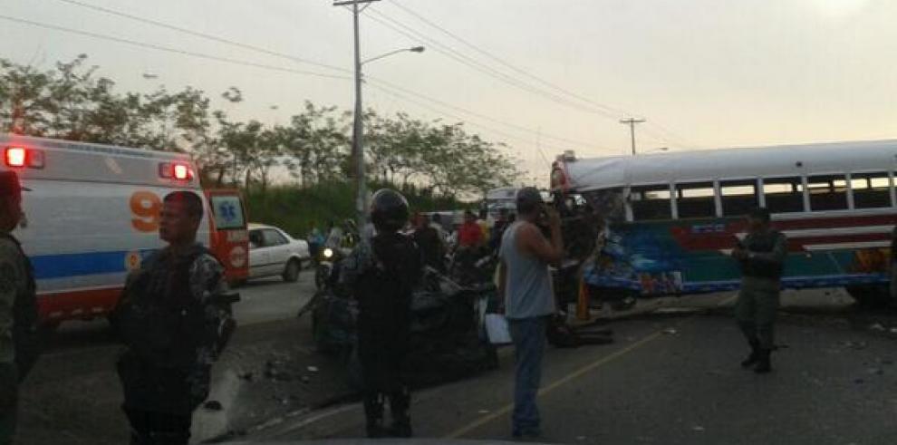 Accidente en Felipillo deja un muerte y diez heridos