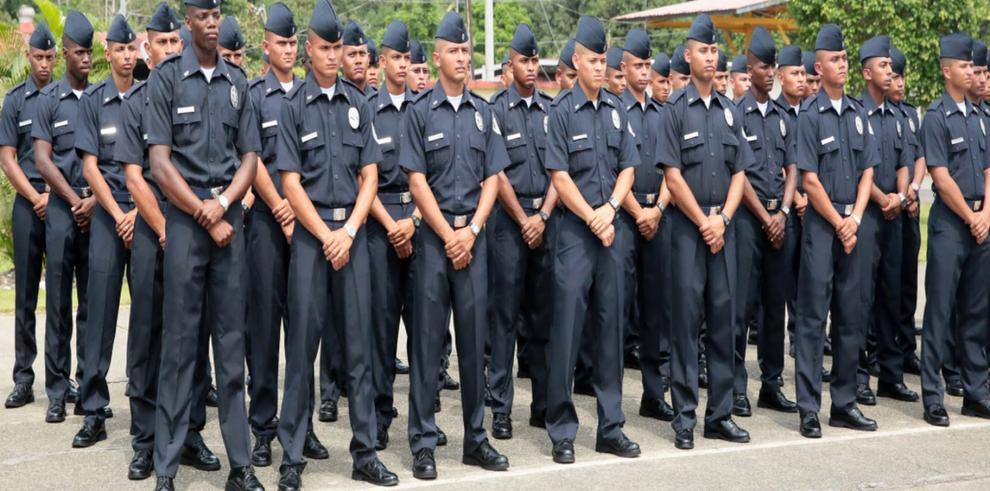 La Policía Nacional gradúa a 219 nuevos agentes policiales
