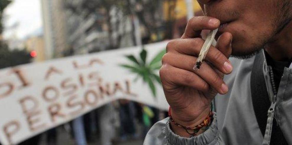 Ministro de Salud de Colombia defiende uso medicinal de la marihuana