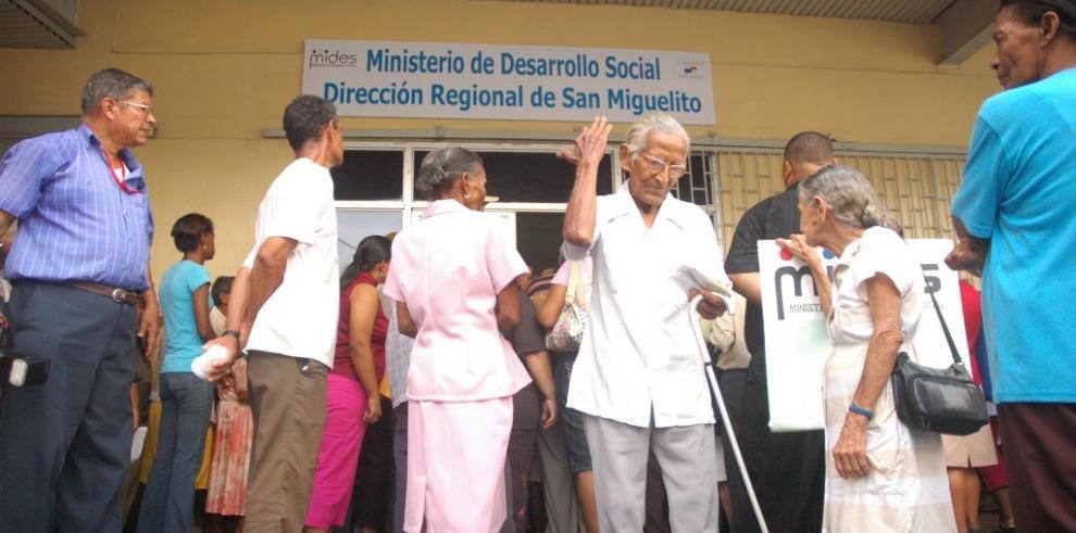 Mides anuncia el calendario de inscripción del programa 120 a los 65