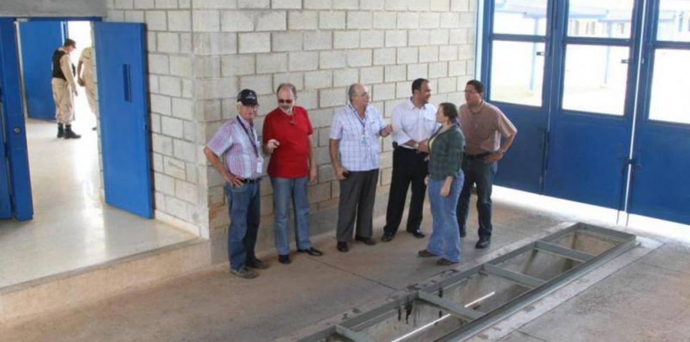 Realizan inspección a la cárcel La Gran Joya