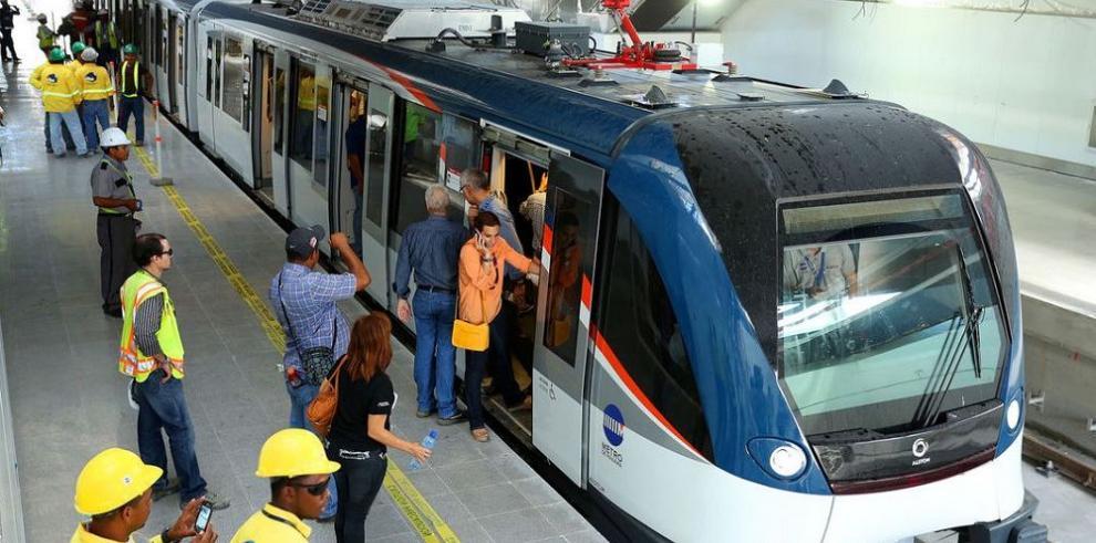 El Metro de Panamá se abre al comercio a mediados de 2015
