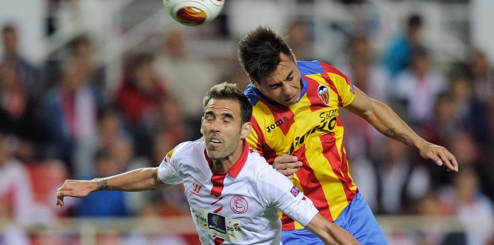 Sevilla derrotó 2-0 a Valencia y se acerca a final de Europa League