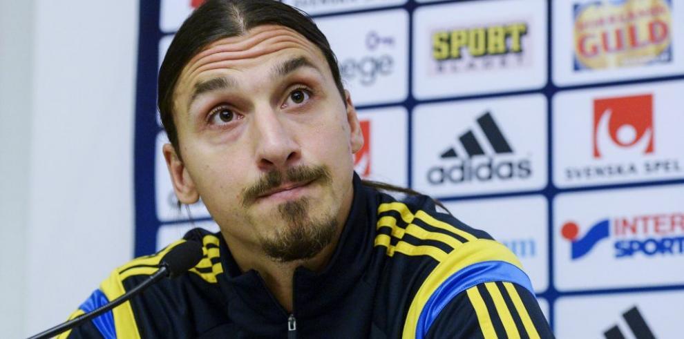 Ibrahimovic vuelve a entrenar con el PSG tras su lesión en el talón
