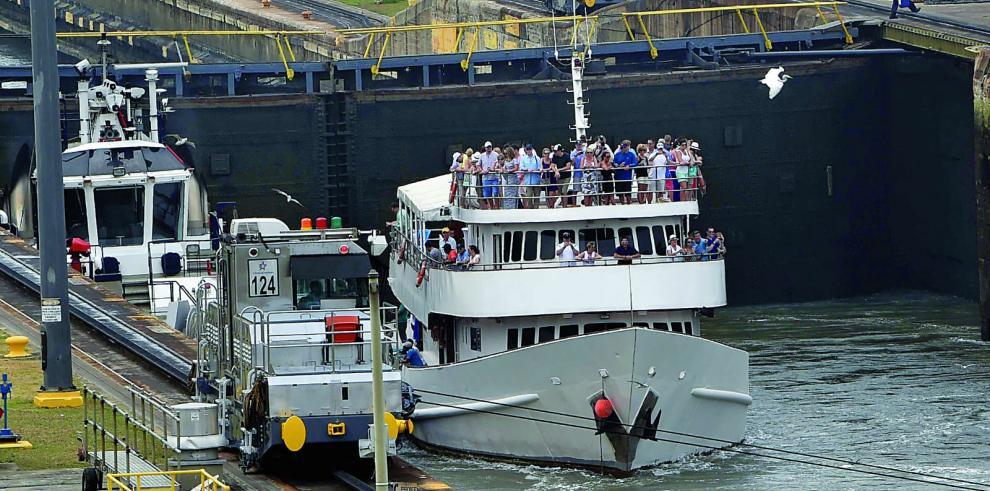 ACP contratará buque para entrenamiento de prácticos