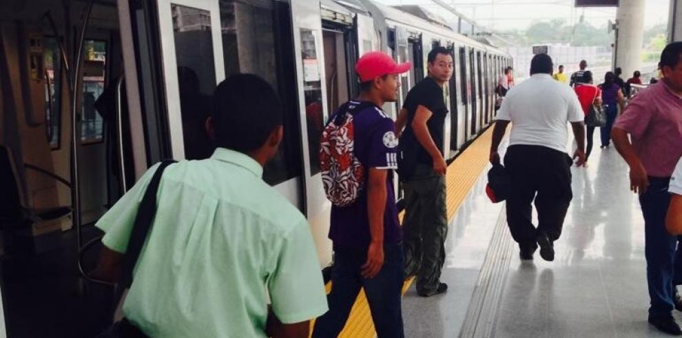 Panameños empezarán a pagar el pasaje del Metro este domingo