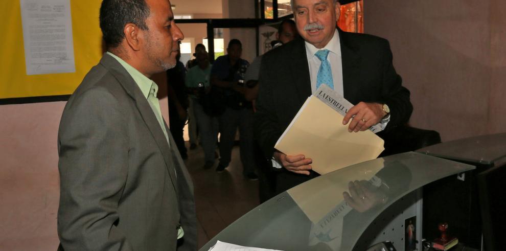 Cochez demandará penalmente a Frank De Lima y a G. Torres