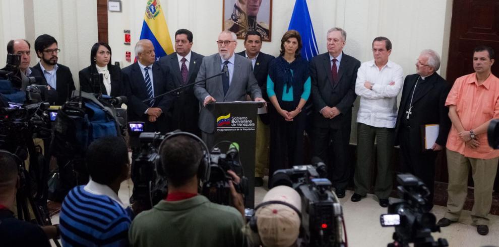 Gobierno y opositores atascan diálogo por ley de amnistía