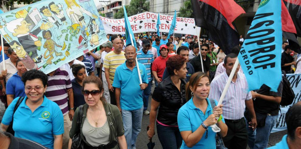 Educadores extienden por 48 horas paro en demanda alza salarial