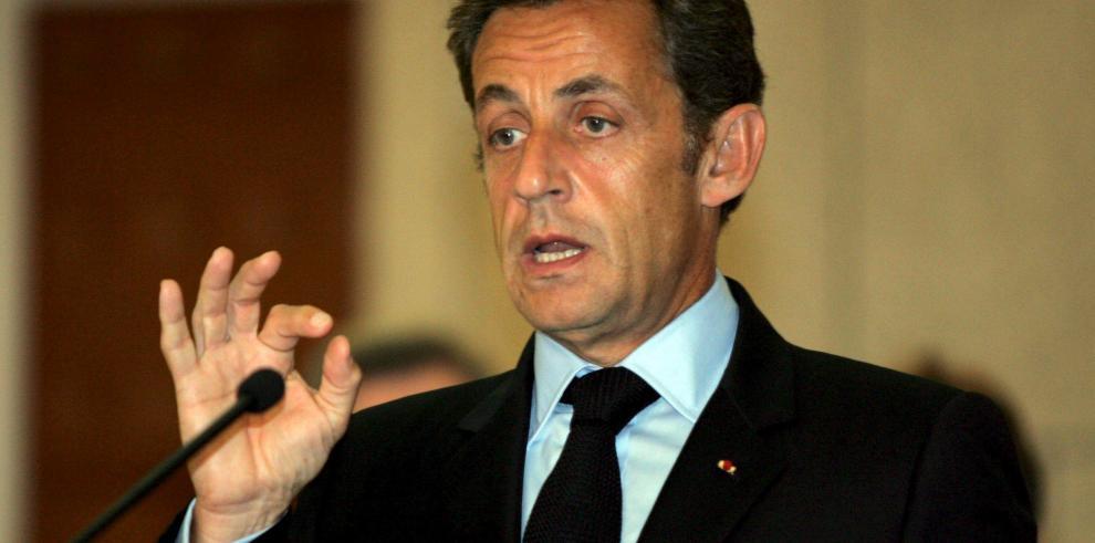 Justicia confirma que una web debe retirar grabaciones de Sarkozy