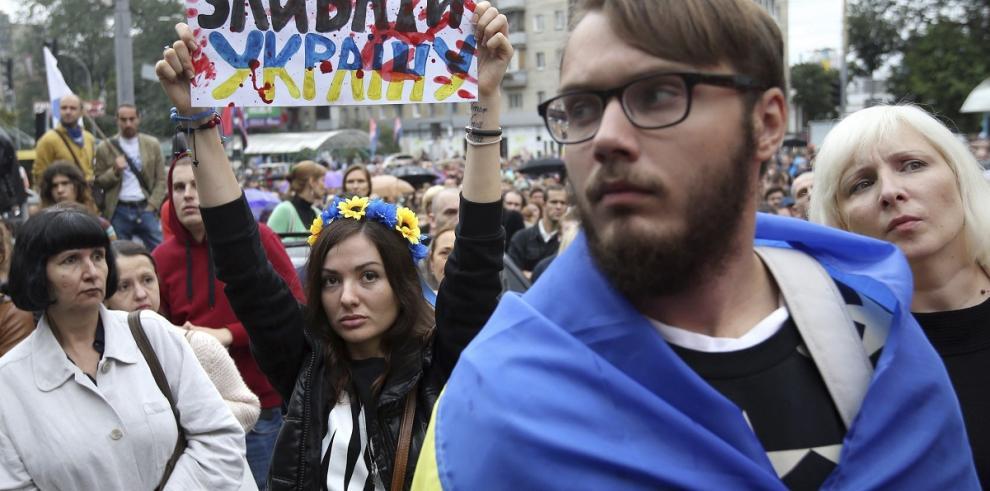 Ucrania denuncia entrada masiva de tanques rusos en su país
