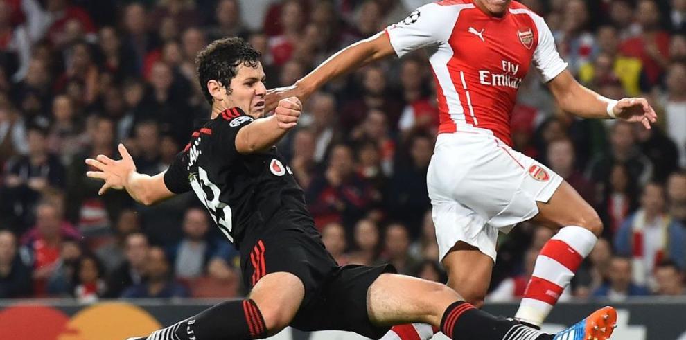 Arsenal y Bilbao ganan y se meten en la fase de grupos