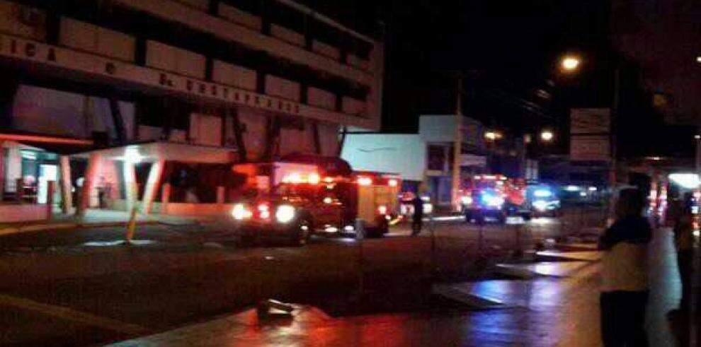 Suspenden servicio en la Policlínica de David, Gustavo Ross tras incendio