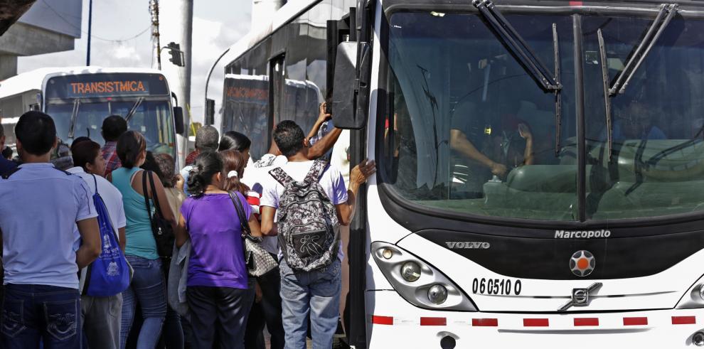 Aumentan el subsidio del metrobús a $0.45 para no subir el pasaje