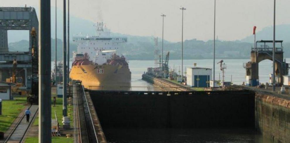 El Canal de Panamá limitará el calado de los barcos si continúa la sequía