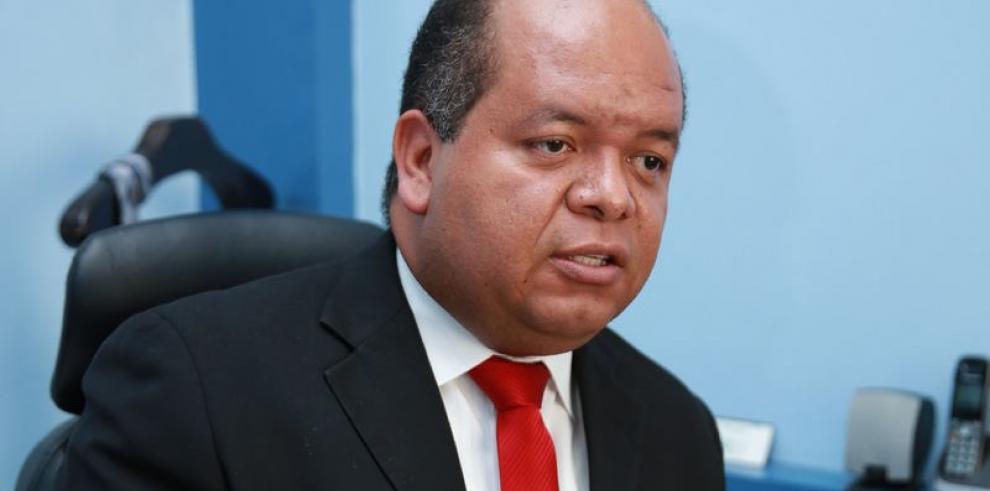 Belfon iniciará investigación ante denuncias de Rivera