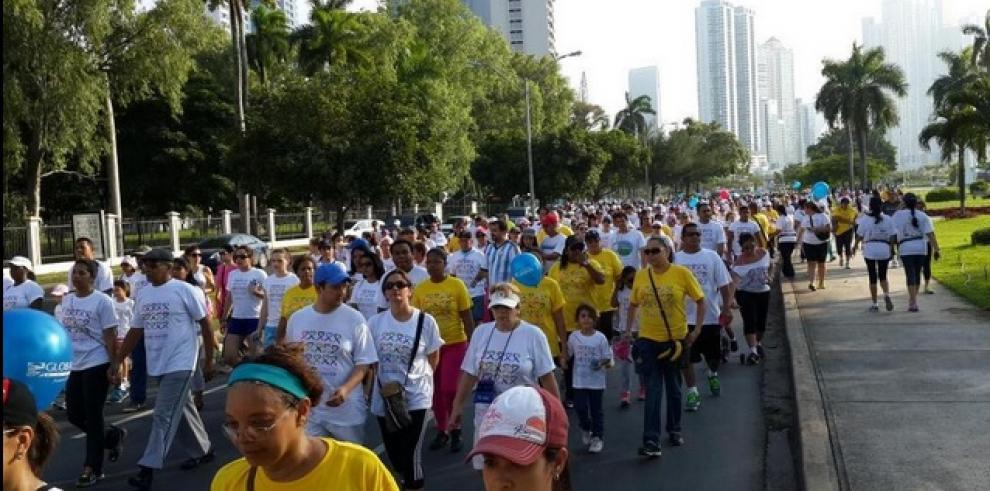 Gran participación en Caminata Familiar Susie Thayer