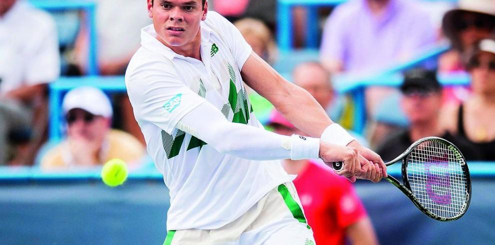 El saque de Raonic frena al tenista dominicano Estrella