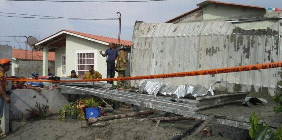 Un muerto y tres heridos tras caída de terraza en construcción en La Chorrera