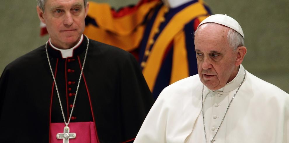 El papa designa a británica para dirigir academia