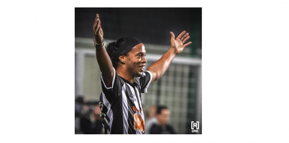 Ronaldinho, cerca de jugar en el Querétaro de México