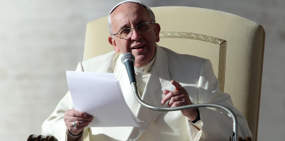 Obispos llamados a tratar temas como divorcios y uniones homosexuales