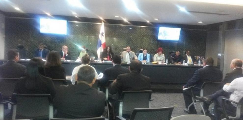 Diputados hacen llamado urgente para analizar demandas contra Moncada