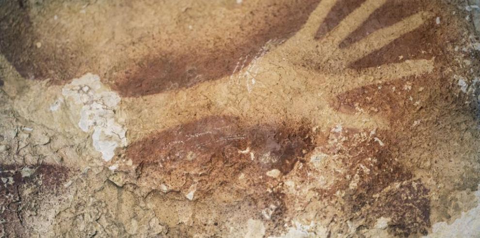Descubren pinturas de 39,900 años de antigüedad en Indonesia