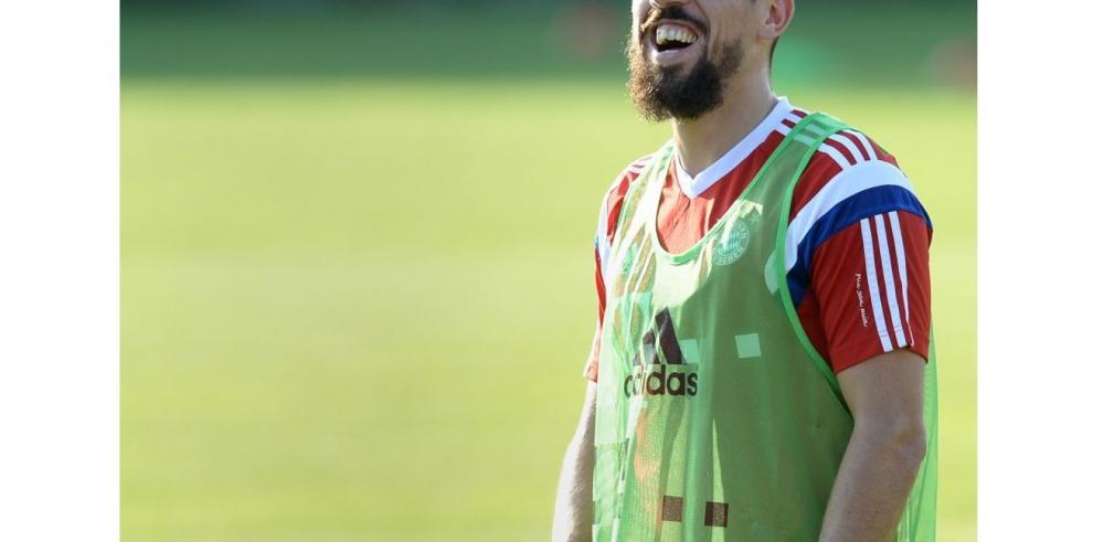 Ribery vuelve a tocar balón