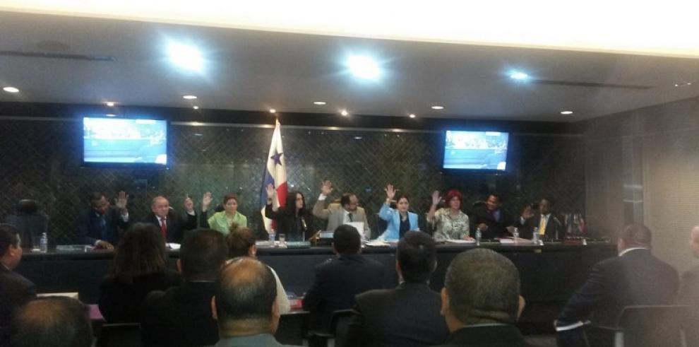 Asamblea admite denuncia contra el magistrado Moncada Luna