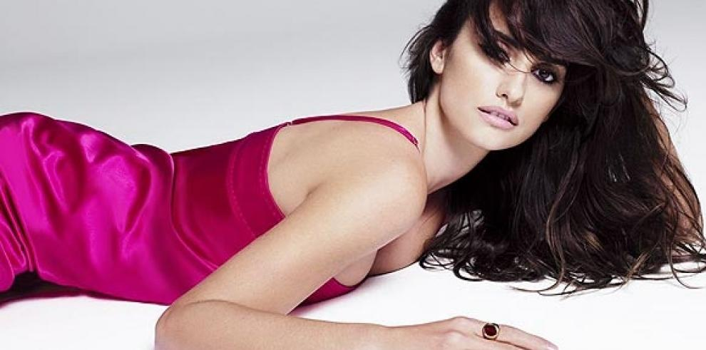 Penélope Cruz, 'la mujer viva más sexy del mundo', según revista Esquire
