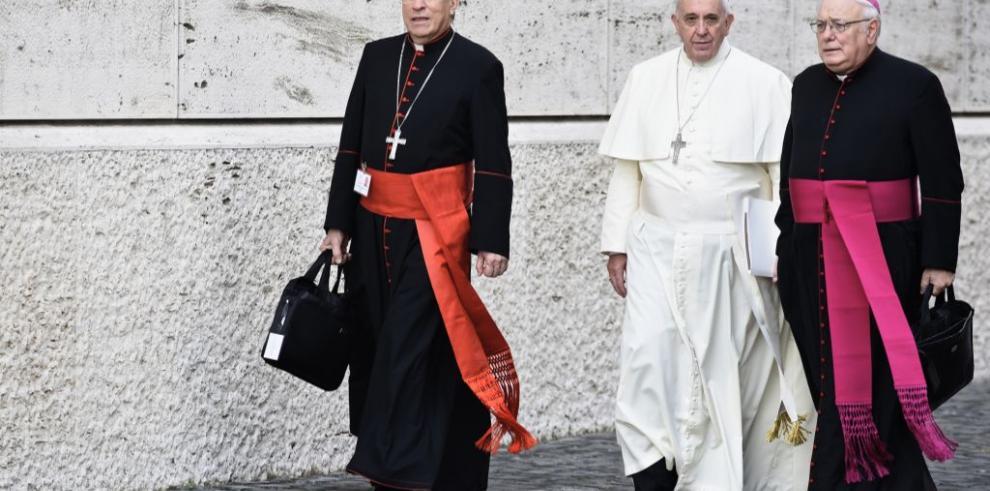 Los obispos del mundo se interrogan sobre la pareja homosexual
