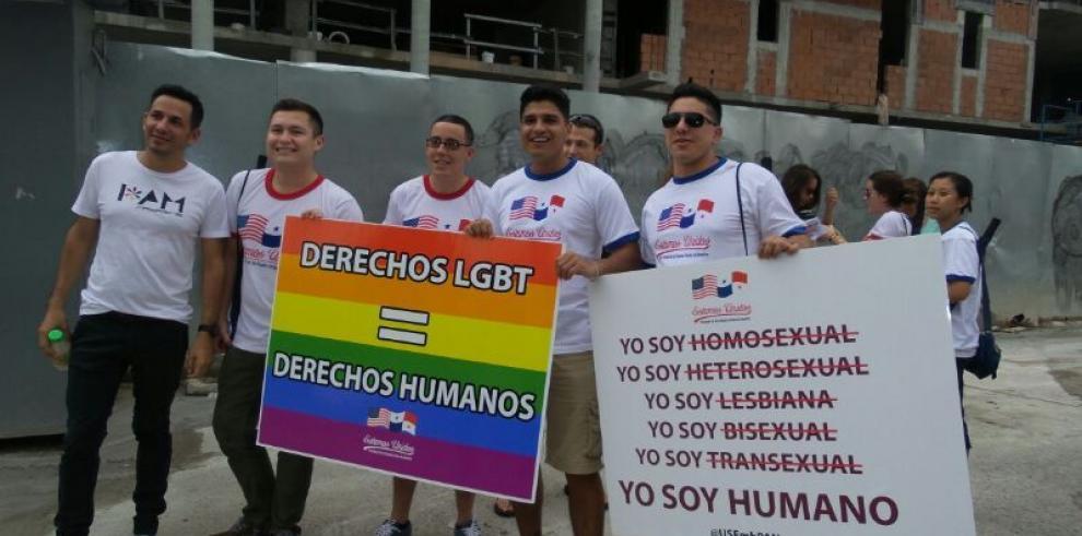 Inicia marcha del orgullo gay