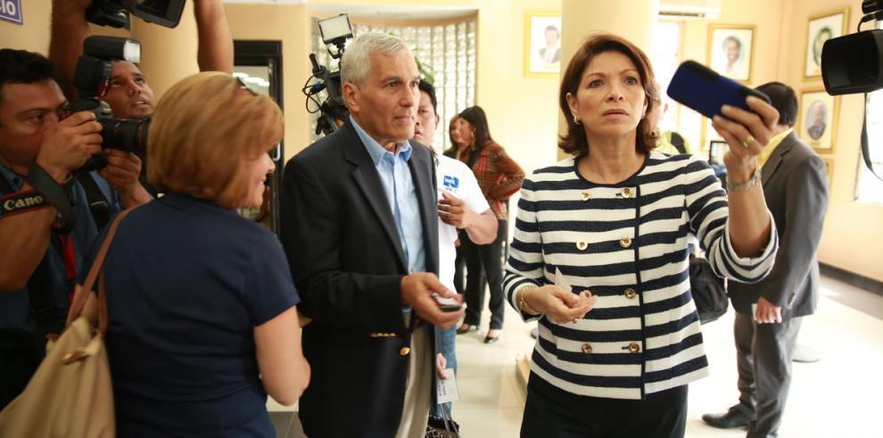 La Corte levanta el impedimento a Ana Matilde Gómez
