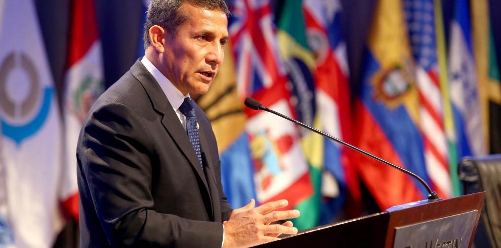Humala viaja a Panamá para fortalecer relaciones bilaterales