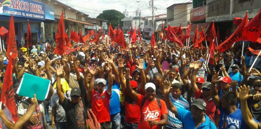 Suntracs mantiene huelga, protestan en varios puntos