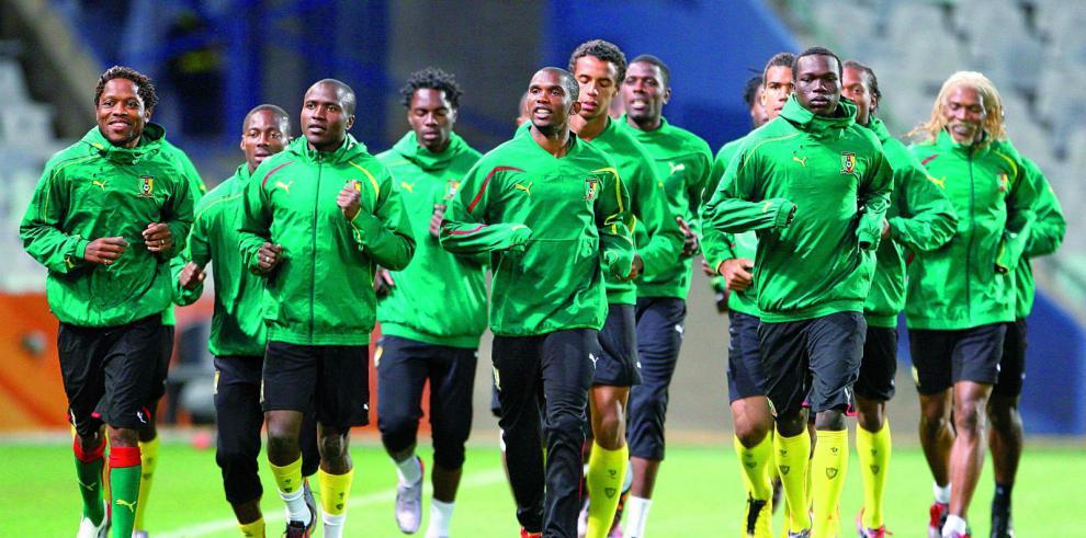 Selección de Camerún se niega a viajar a Brasil