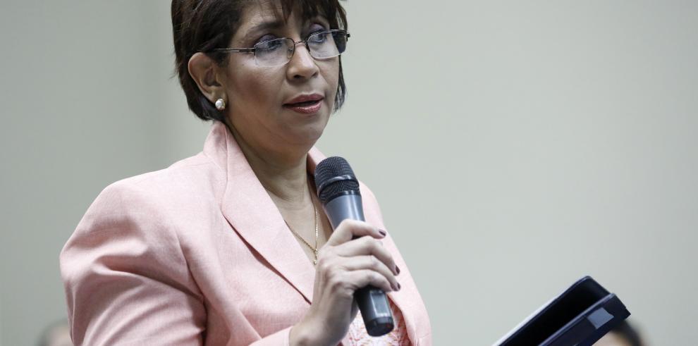 """Conmigo no funcionó el telefonazo"": Ana Belfon"