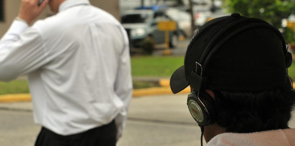Sociedad civil pide que aparezca el equipo para escuchas telefónicas