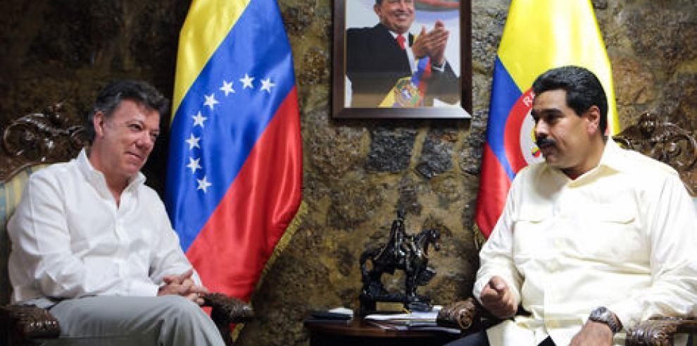 Santos y Maduro conversan en Cartagena sobre contrabando y proceso de paz