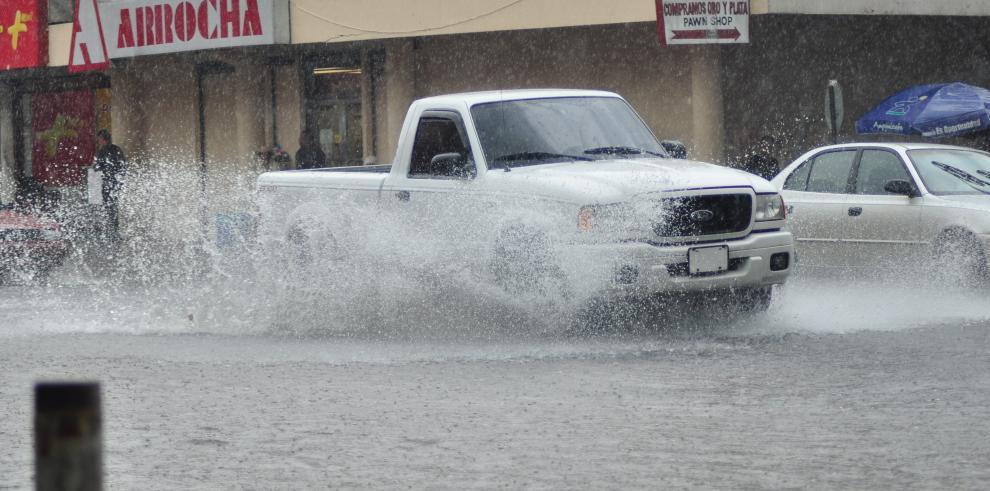 Elevan a amarilla la alerta en el Caribe de Honduras por fuertes lluvias