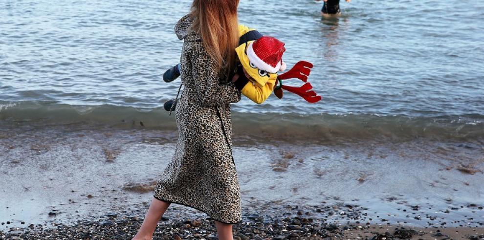 Tradicional evento de natación en Navidad