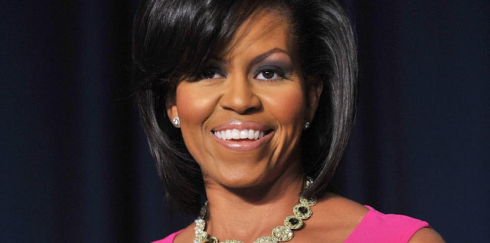 Michelle Obama explica a niños de EE.UU. la ruta de Santa Claus