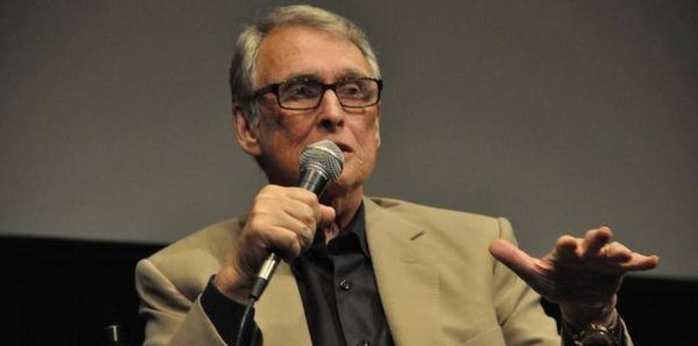 El ganador del Oscar a mejor director Mike Nichols muere a los 83 años