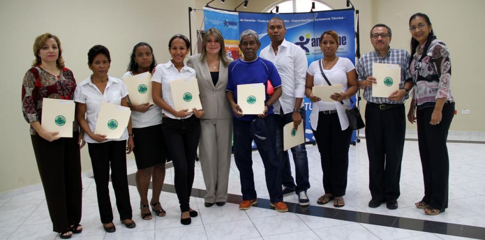 Ampyme apoya a emprendedores
