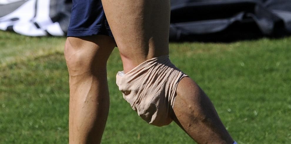 Cristiano Ronaldo abandona entrenamiento por molestias en la rodilla