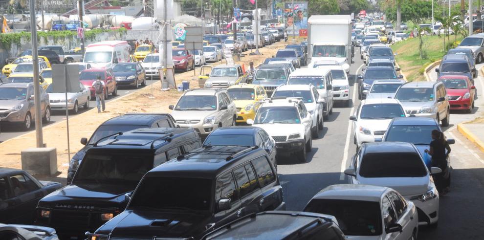 Municipio manda a confeccionar 471 mil placas para automóviles