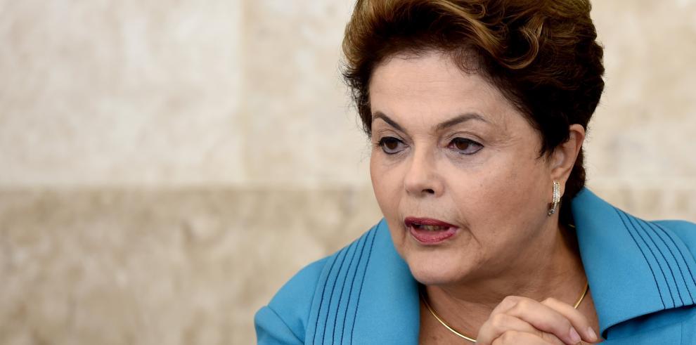 Rousseff recibe a Bachelet en Brasilia antes de apertura del Mundial