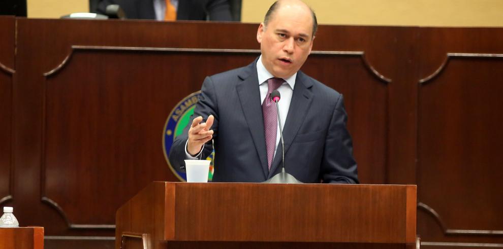 Ministro Rodolfo Aguilera continuará su comparecencia el lunes 22
