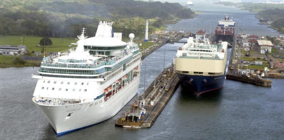 Canal de Panamá recibirá unos 200 cruceros en la temporada 2014-2015